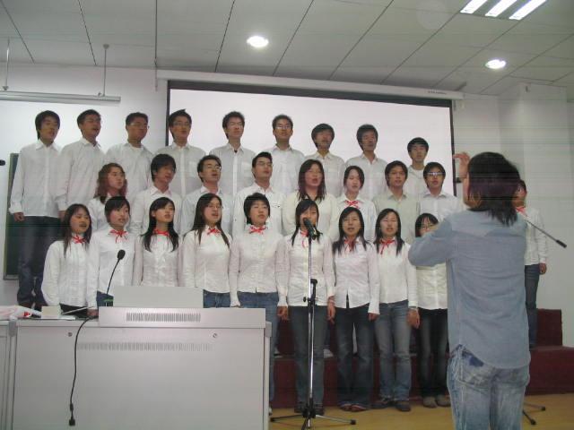 学院举行党支部革命歌曲合唱比赛